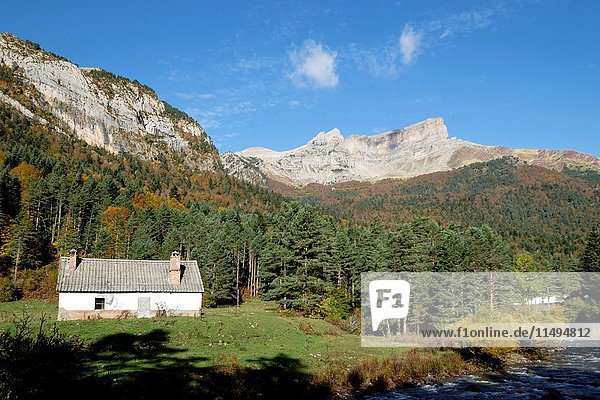 Chipeta Alto  2175 meters  Valley of Hecho  western valleys  Pyrenean mountain range  province of Huesca  Aragon  Spain