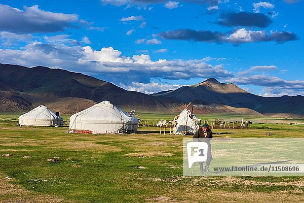 Mongolia  Bayan-Ulgii province  western Mongolia  nomad camp of Kazakh people in the steppe.