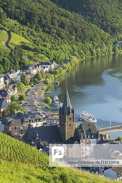River Moselle and Bernkastel-Kues  Rhineland-Palatinate  Germany