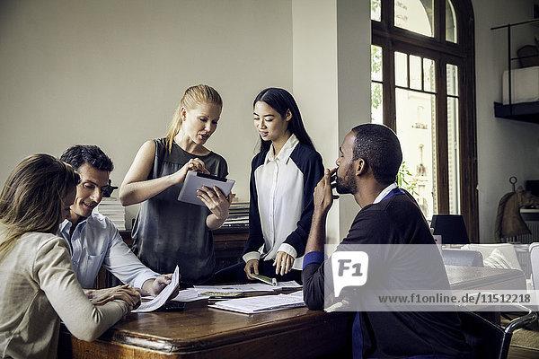 Kollegen  die im Gelegenheitsbüro mitarbeiten