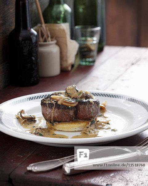 Steak mit Champignon und Whisky-Sauce