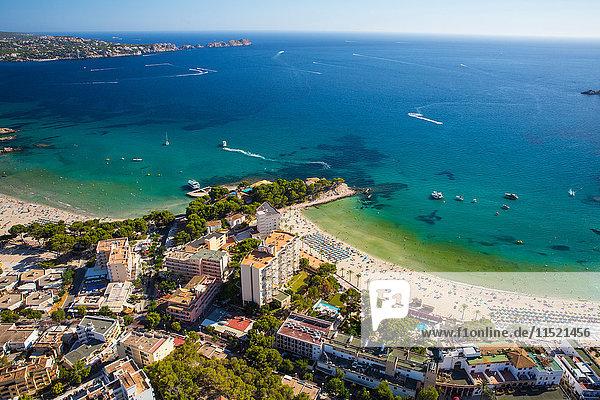 Luftaufnahme von Paguera und Küste  Mallorca  Spanien