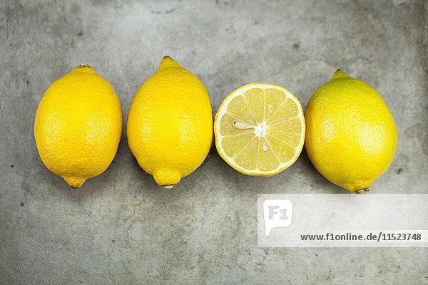 Dreieinhalb Zitrone Dreieinhalb Zitrone