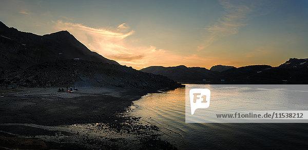 Grönland  Kulusuk  Trekkinglager am Fjord