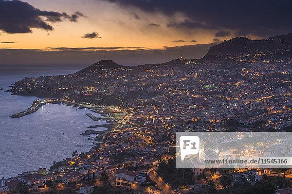 Portugal  Madeira  Funchal bei Sonnenuntergang