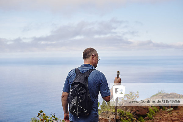Spanien  Kanarische Inseln  La Gomera  Wanderer auf Trail