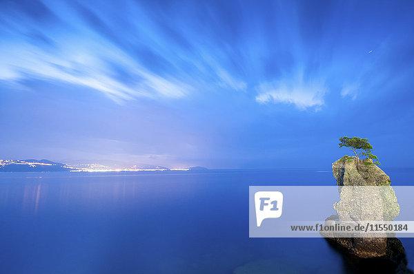 Italien  Felsformation  blaue Stunde  bewölkter Himmel Italien, Felsformation, blaue Stunde, bewölkter Himmel