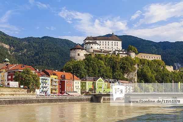 Österreich  Tirol  Kufstein  Festung über dem Inn und der Altstadt