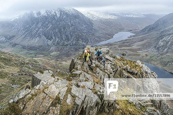 UK  Nordwales  Snowdonia  Y Garn  Cwm Idwal  Kletterer