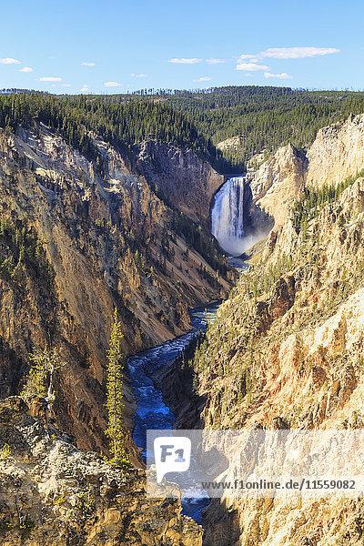 USA  Yellowstone Nationalpark  Künstlerpunkt  Yellowstone River  Upper Falls of the Yellowstone