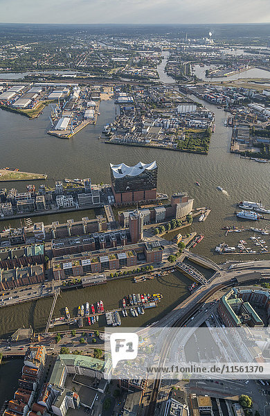 Deutschland  Hamburg  Luftaufnahme der Elbphilharmonie