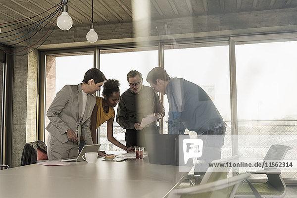 Geschäftstreffen im Büro
