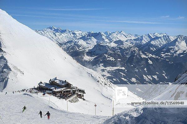Wedelhütte  Skigebiet Hochfügen  Zillertal  Tirol  Österreich  Europa