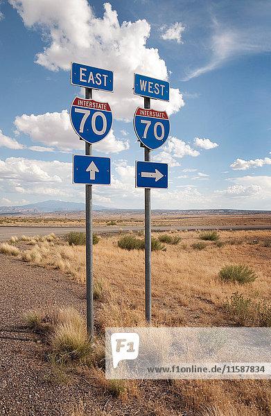Ost- und Westschilder der Interstate 70  Utah  USA