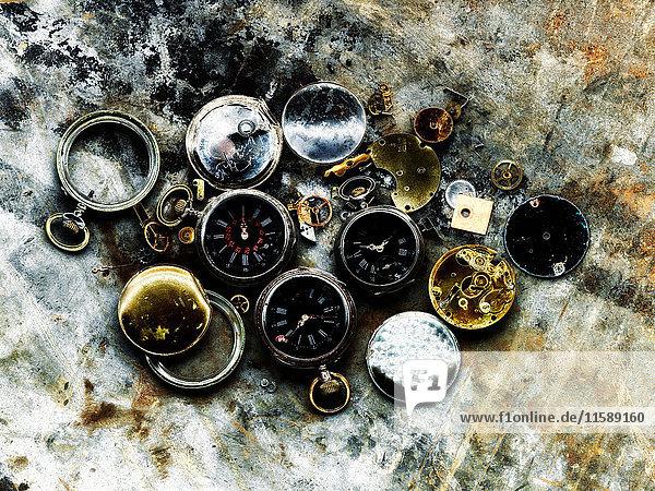 Zerbrochene Taschenuhren
