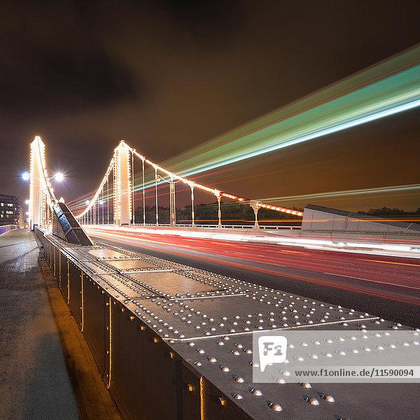 Zeitraffer-Ansicht der Chelsea Bridge