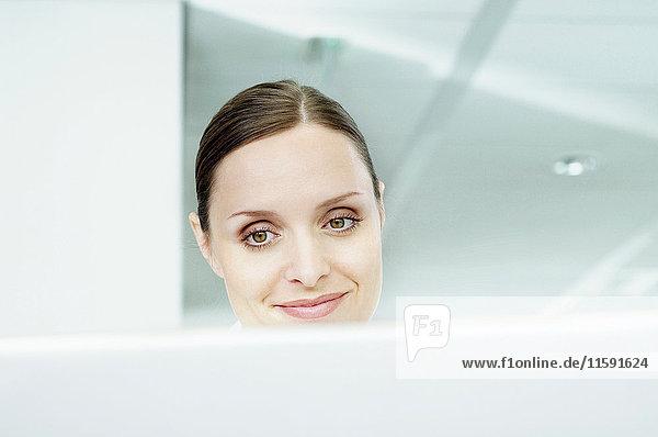 Geschäftsfrau am Laptop