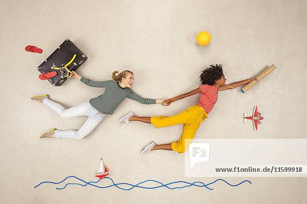 Freunde  die zum Reiseziel fliegen Freunde, die zum Reiseziel fliegen