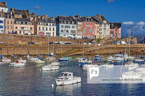 Douarnenez  Port and boats  Finisterre  Bretagne  Brittany  Quimper distict  France.