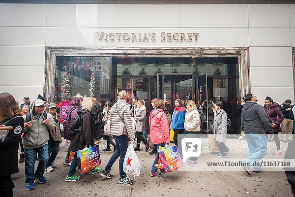 Hordes of shoppers outside of Victoria's Secret in Herald Square in New York looking for bargains on the day after Thanksgiving  Black Friday  November 25  2016. Sales online are expected to increase 20 percent with store traffic expected to decrease between 3 and 4 percent this year.
