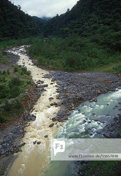 Confluence on black and white Rivers. Bralio Carillo