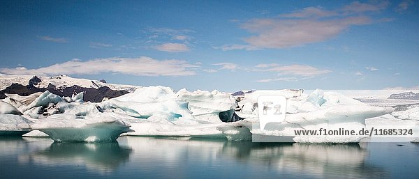 Iceland  Jokulsarlon Glacier Lagoon  icebergs and ice chunk.