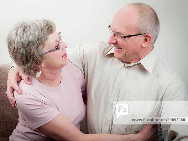 Umarmung eines Paares