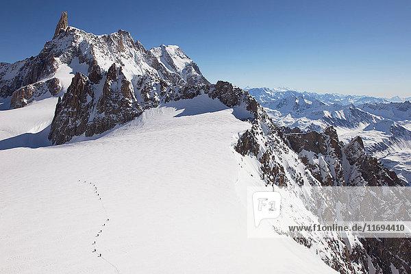 Schneebedeckter Mont Blanc  Helbronner  Chamonix  Italien