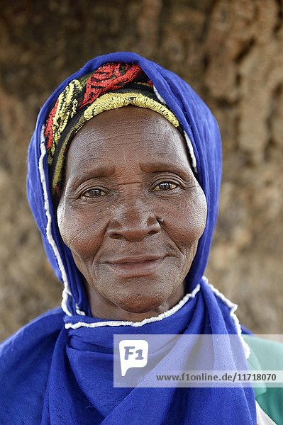 Old Woman  portrait  Toeghin Village  Oubritenga Province  Plateau Central  Burkina Faso  Africa