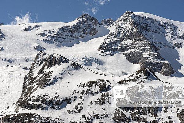 Bergmassiv Marmolata  höchstes Massiv der Dolomiten  rechts Gipfel Punta Penia  Canazei  Trentino-Alto Adige  Dolomiten  Italien  Europa