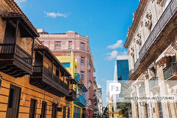 Cuba  Havana  Town houses Cuba, Havana, Town houses