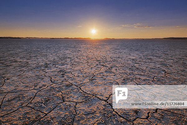 Ukraine  Dnepropetrovsk Region  Novomoskovskiy District  Lake Soleniy Lyman  Desert at sunset