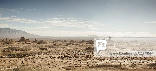 Panoramablick auf Trona Pinnacles  Trona  Kalifornien  USA