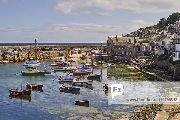 View of the harbour at mid-tide  Mousehole  Penwith  Cornwall  England  United Kingdom  Europe