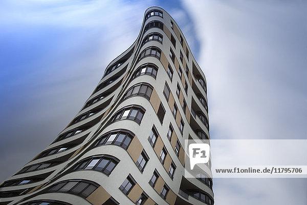 Deutschland  München  Mittersendling  moderner Wohnturm