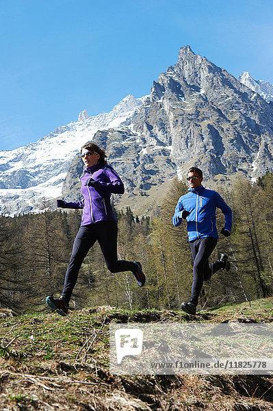 Paarlauf mittlerer Erwachsener  Chamonix  Frankreich