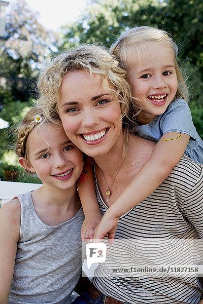 Porträt von Mutter und Töchtern