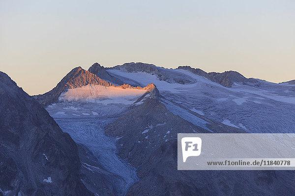 View of the Pisgana glacier and rocky peaks at dawn  Valcamonica  border Lombardy and Trentino-Alto Adige  Italy  Europe