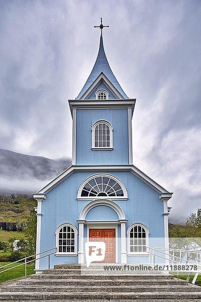 Blaue Kirche  Seyðisfjörður  Seyðisfirði  Island  Europa