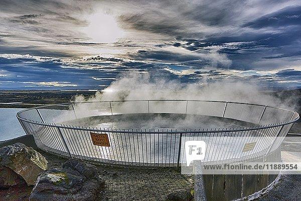 Myvatn Natur-Bad  Geothermalquelle  Reykjahlíð  Mývatni  Island  Europa