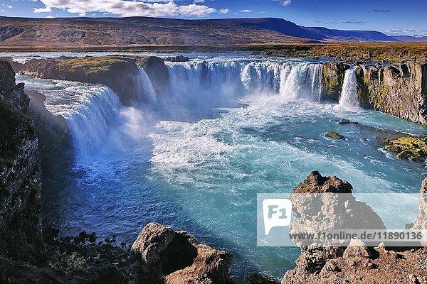 Wasserfall Godafoss  Laugar  Fosshólli  Island  Europa