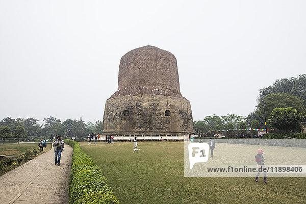 India  Varanasi  Sarnath temple  archaeological site