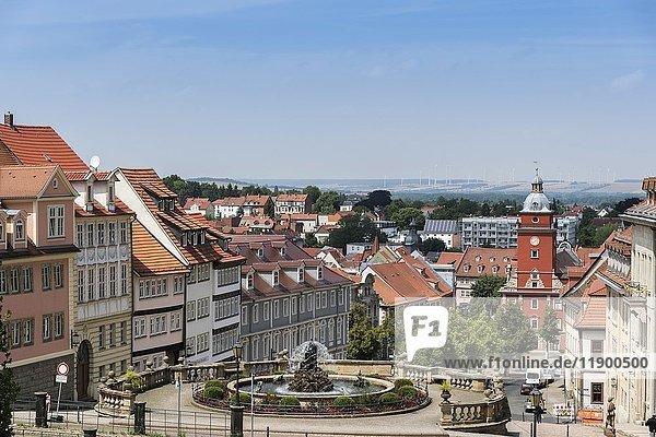 Blick vom Schloss Friedenstein auf Wasserspiele  Hauptmarkt und Rathaus  Gotha  Thüringen  Deutschland  Europa