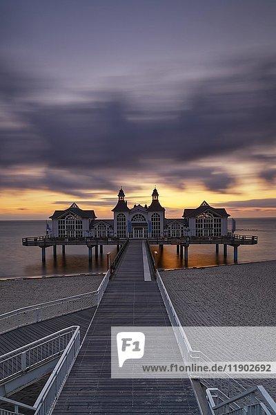 Pier on the beach  Seebad Sellin  Rügen  Mecklenburg-Vorpommern  Germany  Europe