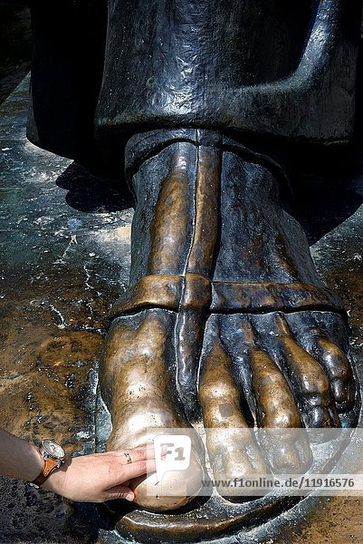Croatia  Dalmatia  Dalmatian coast  Split  old Roman city listed as World Heritage by UNESCO  statue of 10th-century bishop Gregory of Nin  touching his toe is said to bring luck