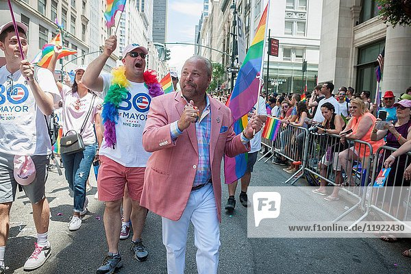 Private investigator and independent candidate for NYC mayor Bo Dietl marches in the annual Lesbian  Gay  Bisexual  Transgender and Queer (LGBTQ) Pride Parade on Fifth Avenue in New York on Sunday  June 25  2017. Besides the corporate sponsors  politicians and various social service groups many participants carried political themed signs showing their dissatisfaction with President Trump.