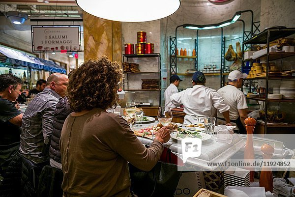 USA  New York  New York City  Mid-Town Manhattan  Eataly Restaurant  interior  NR.