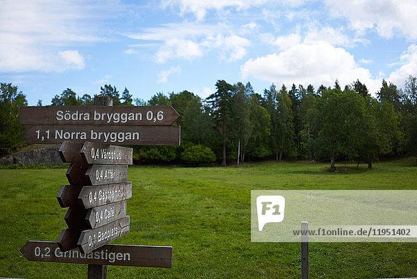Schweden  Insel Grinda  Wegweiser