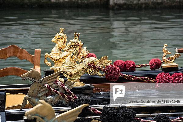 Italien  Venedig  Gondel auf einem Kanal