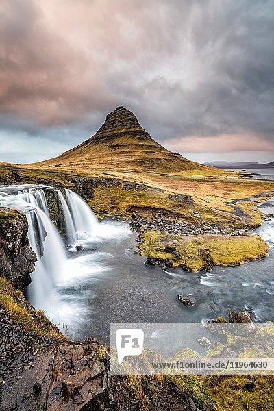 Grundafjordur  Snaefellsnes Peninsula  Western Iceland  Iceland. Kirkjufell mountain and Kirkjufellfoss waterfall.